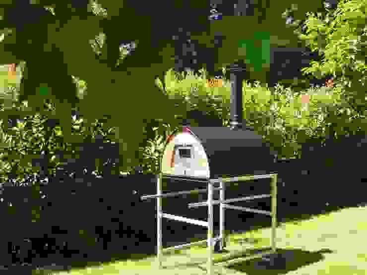 Professional Wood fired oven Pizzone by Pizza Party italian high quality Jardines de estilo rústico de Pizza Party Rústico