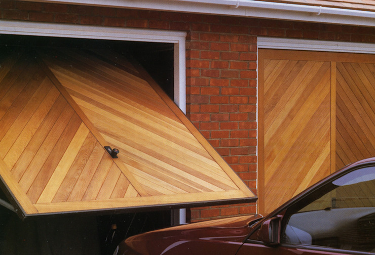Garage Door made from Timber The Garage Door Centre Limited İskandinav
