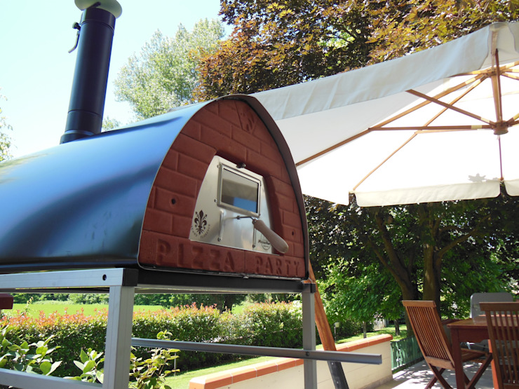 Wood fired pizza oven Pizzone certified for food use and composed by professional material Jardines de estilo rústico de Pizza Party Rústico