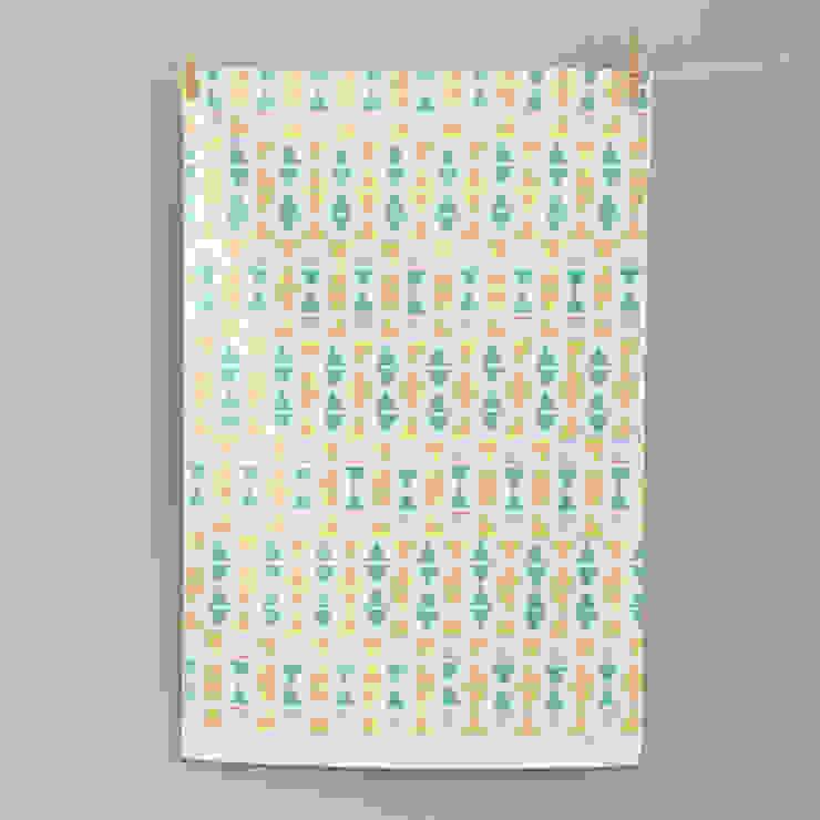 Off Kilter Tea Towel par Zoe Attwell Moderne