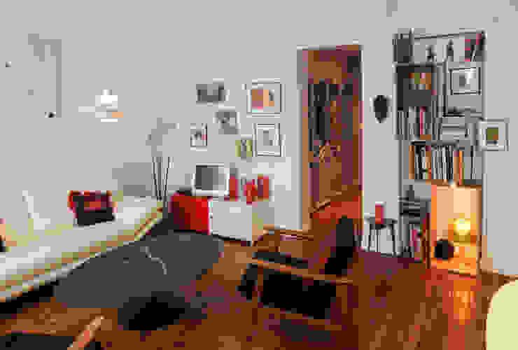 Гостиная в стиле модерн от Sara Camus Bouanha Architecture Interieure Модерн