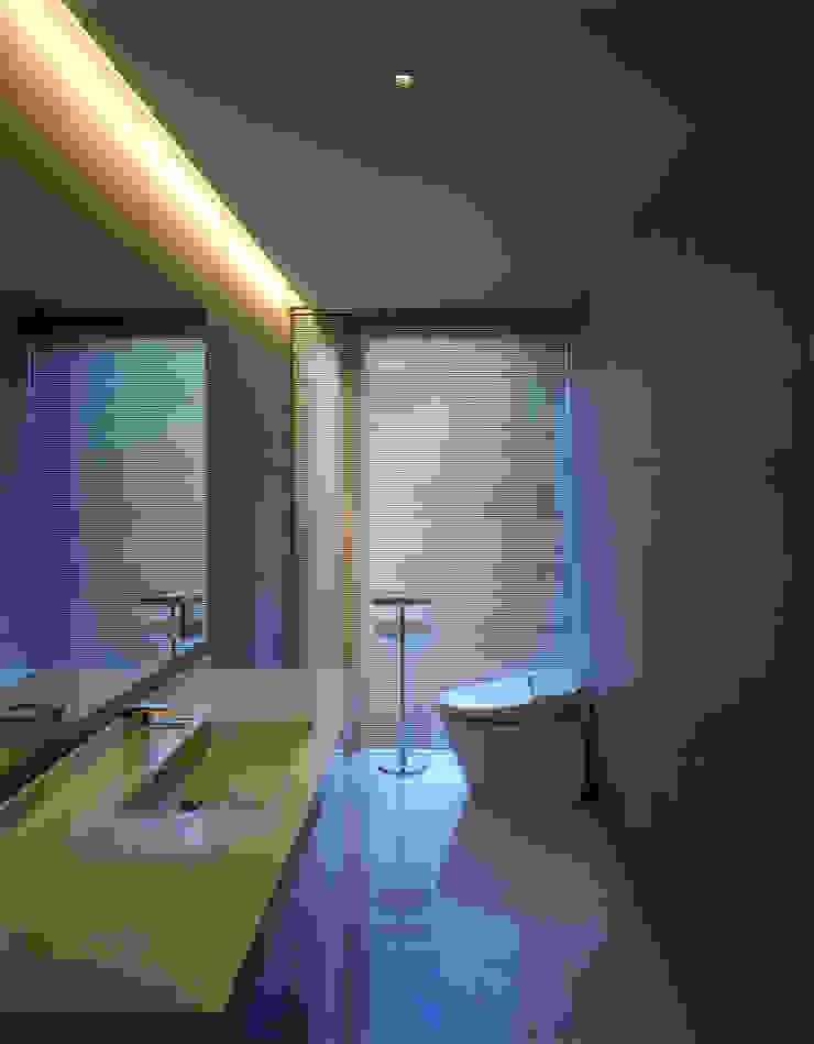 洗面トイレ モダンスタイルの お風呂 の 株式会社アルフデザイン モダン