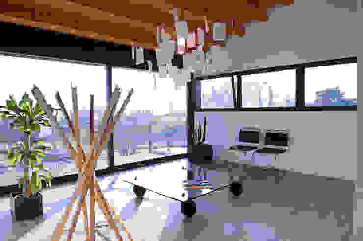 Residenza alle pendici del Grappa Studio moderno di Ing. Adriano Filippin Moderno