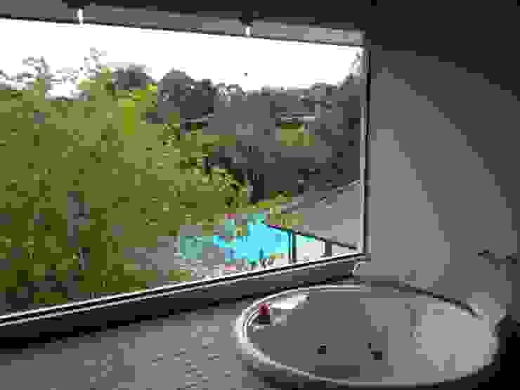 Projeto Banheiros campestres por Escritório de Arquitetura Silvia Dias Campestre