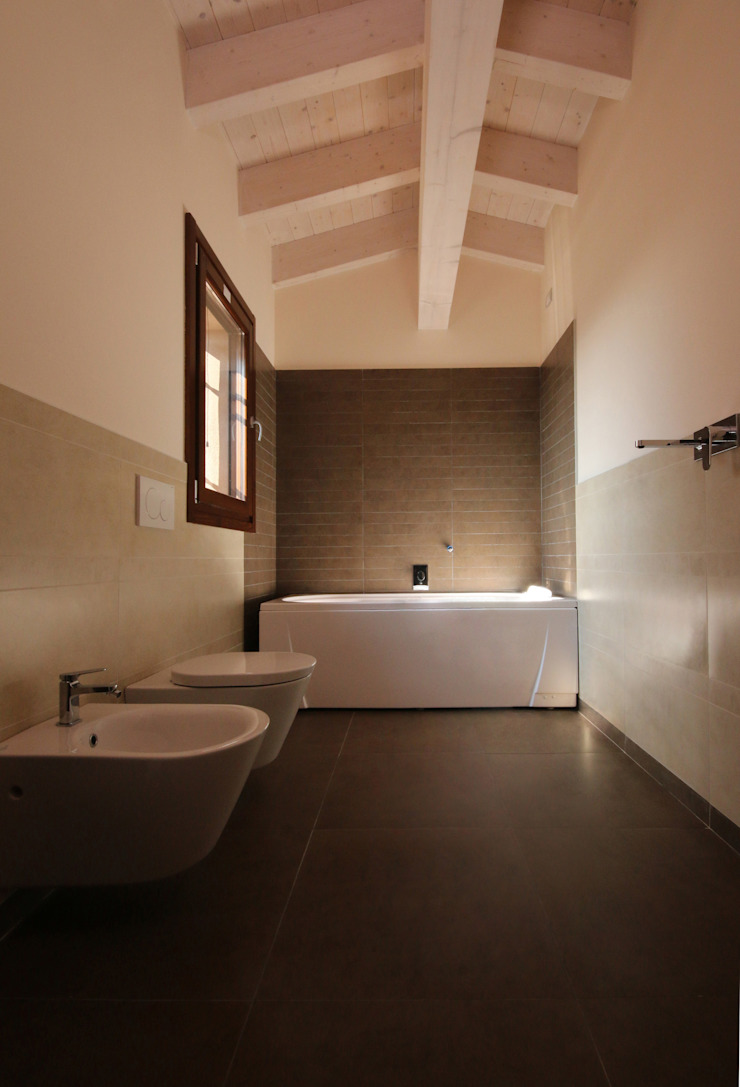 Wiejska łazienka od Doser S.p.A. Wiejski