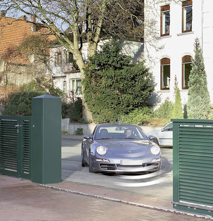 Automatic remote controlled steel gates AGD Systems Commercial Spaces