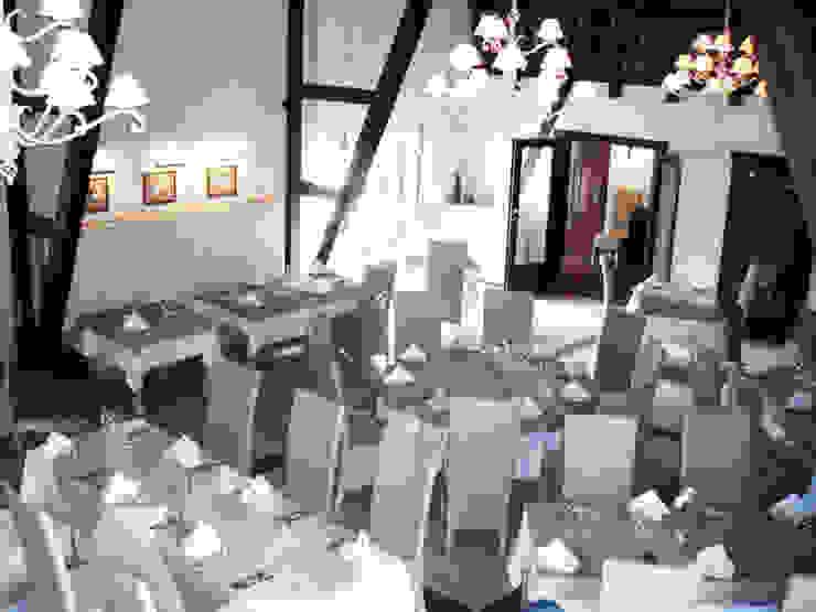 JOL-wnętrza Sala da pranzo eclettica