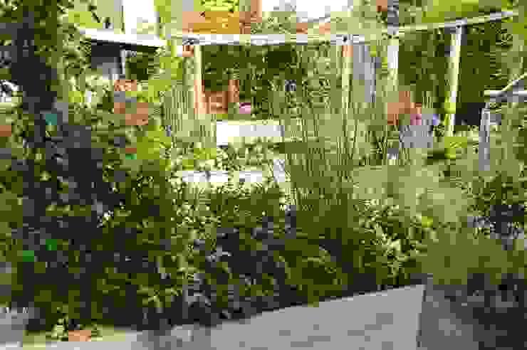 Courtyard Garden Unique Landscapes Jardin classique