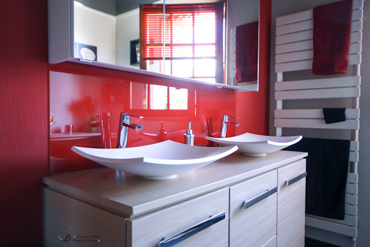 Modern bathroom by Violaine Denis Modern