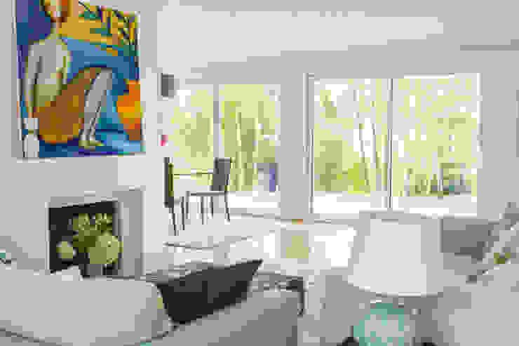 Maison Broilliard Salon moderne par lara stancich interior design Moderne