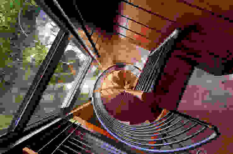 Coeur D'Alene Residence ห้องโถงทางเดินและบันไดสมัยใหม่ โดย Uptic Studios โมเดิร์น