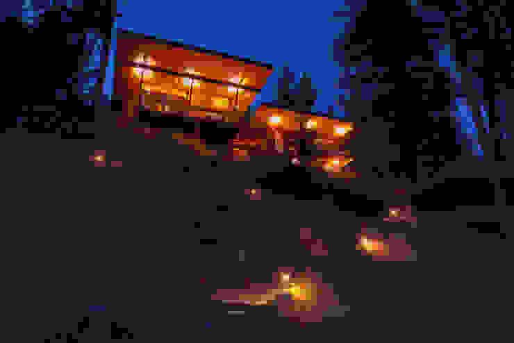 Coeur D'Alene Residence Uptic Studios Modern houses