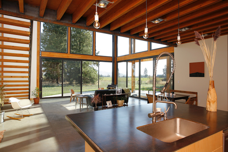 Living room by Uptic Studios, Modern