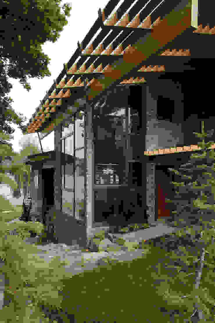 Liberty Lake Residence Nowoczesne domy od Uptic Studios Nowoczesny