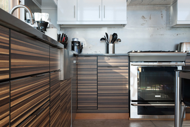 Camp Hammer Modern kitchen by Uptic Studios Modern