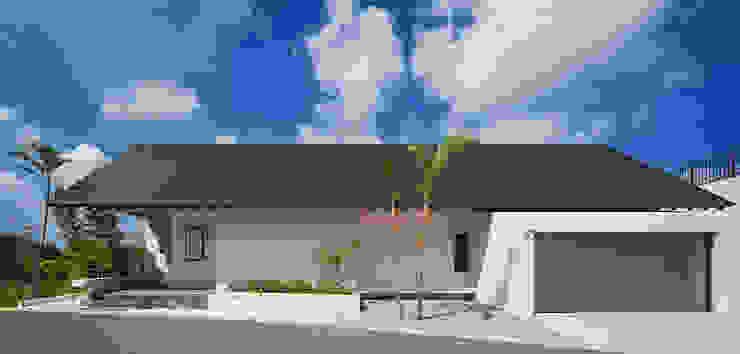 Casas de estilo asiático de 岡部義孝建築設計事務所 Asiático