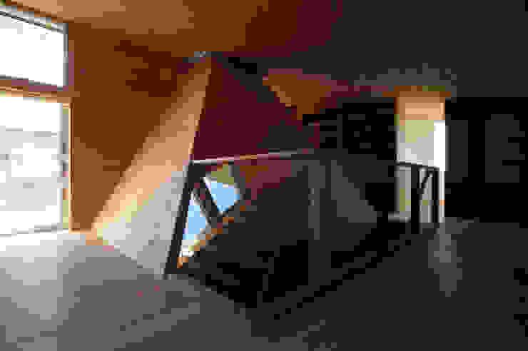 2階図書室: 塔本研作建築設計事務所が手掛けた和室です。,オリジナル