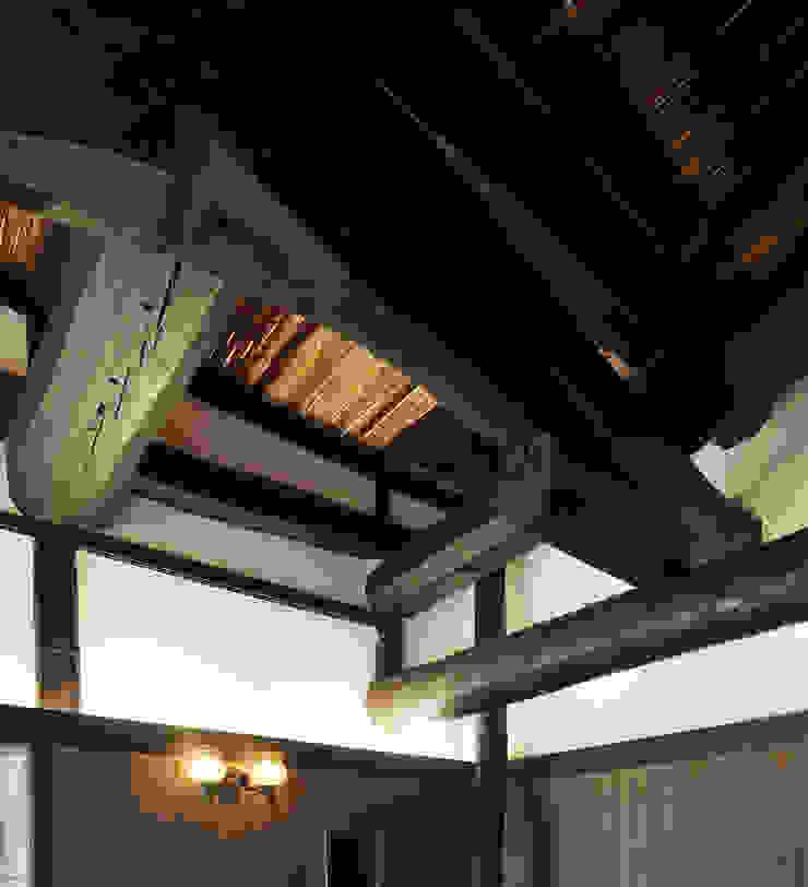 2段梁(シロアリ被害部材取り替え): 土公建築・環境設計室   DOKO Archtecture & Environmental Designsが手掛けたクラシックです。,クラシック