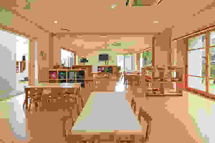 天神の森 きらら保育園 モダンな学校 の bound-design モダン