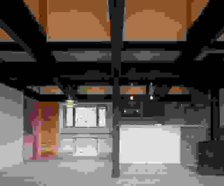 ダイニング: 土公建築・環境設計室   DOKO Archtecture & Environmental Designsが手掛けたクラシックです。,クラシック