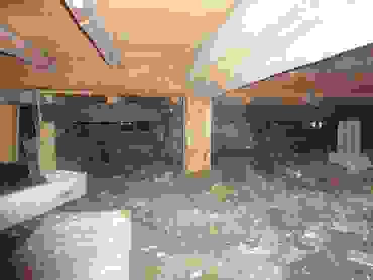Bwfore 床下: 土公建築・環境設計室   DOKO Archtecture & Environmental Designsが手掛けたクラシックです。,クラシック