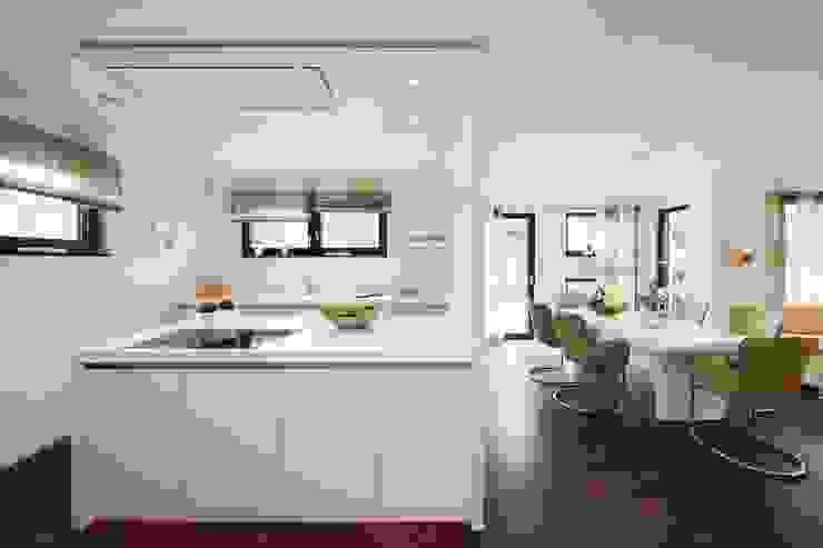 Modern houses by RENSCH-HAUS GMBH Modern
