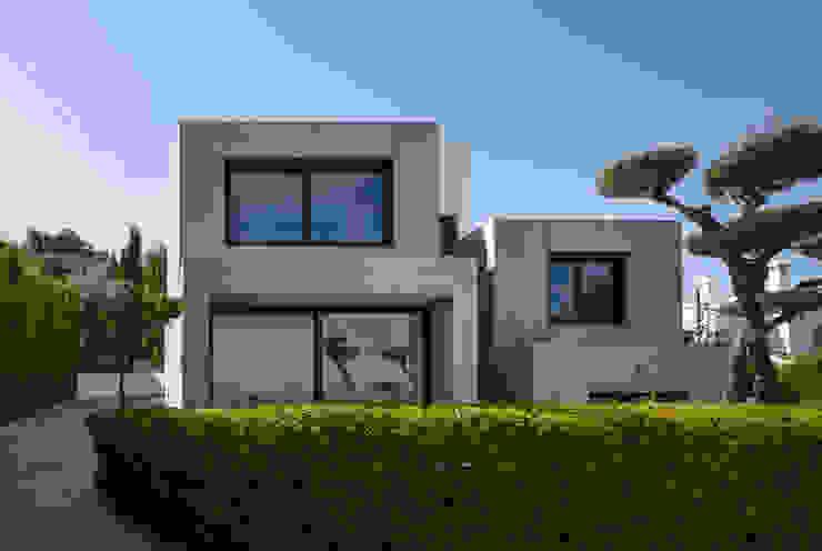 VIsta Fachada Principal 2 Casas de estilo minimalista de ariasrecalde taller de arquitectura Minimalista