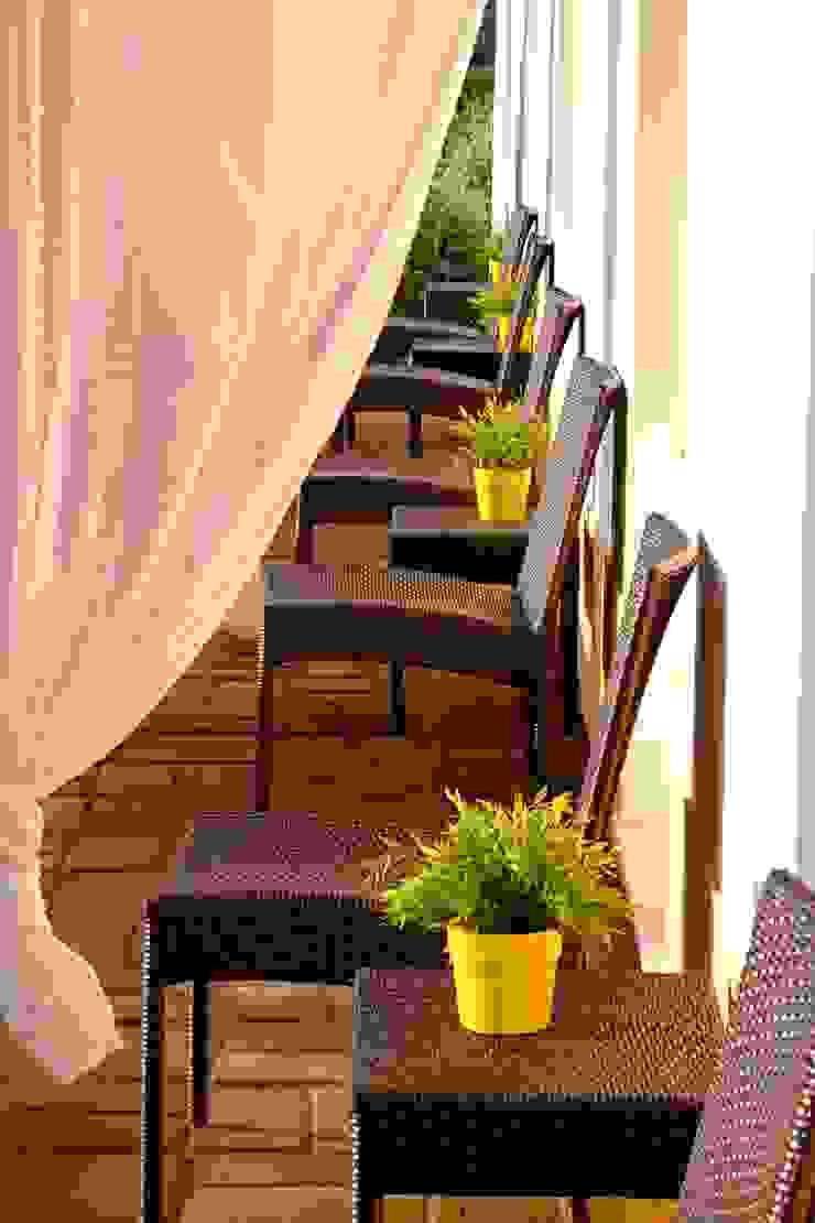 Balcones y terrazas de estilo rural de A.P.E.L Rural