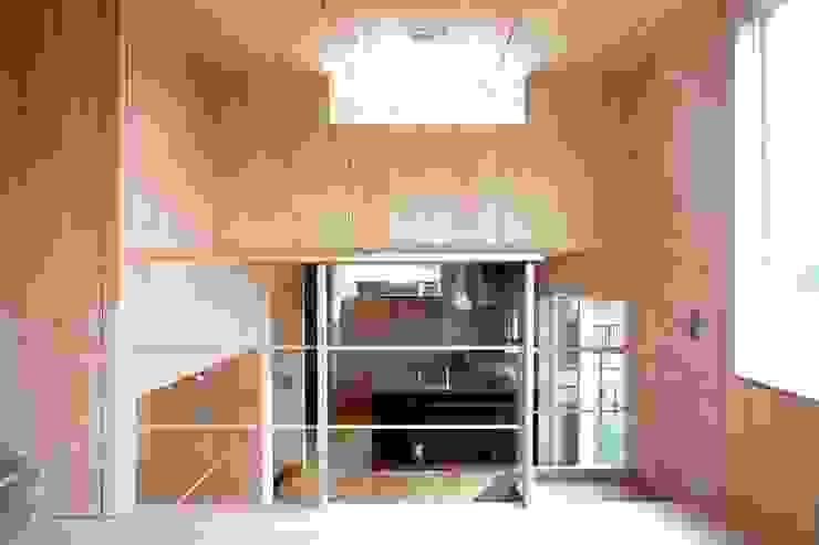YNGH 吉野の小さな廻る家 モダンデザインの ダイニング の 太田則宏建築事務所 モダン