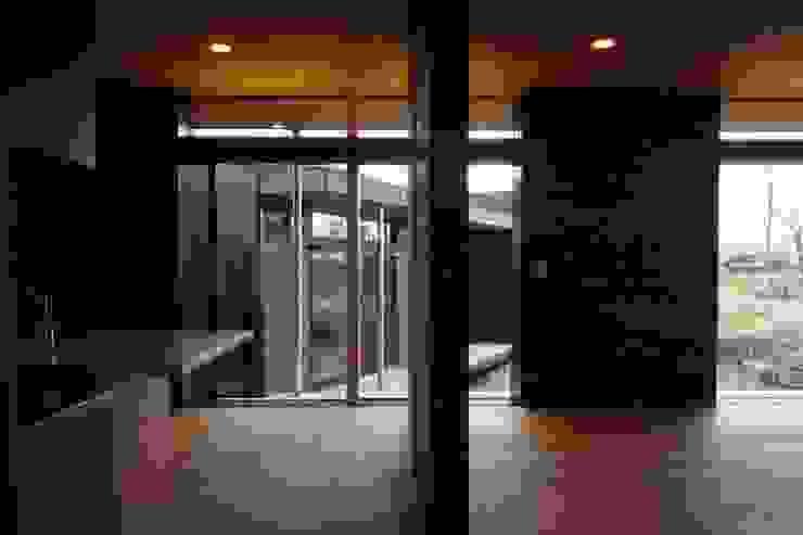 KBGN 国分ののびやかな平屋の家 モダンデザインの リビング の 太田則宏建築事務所 モダン