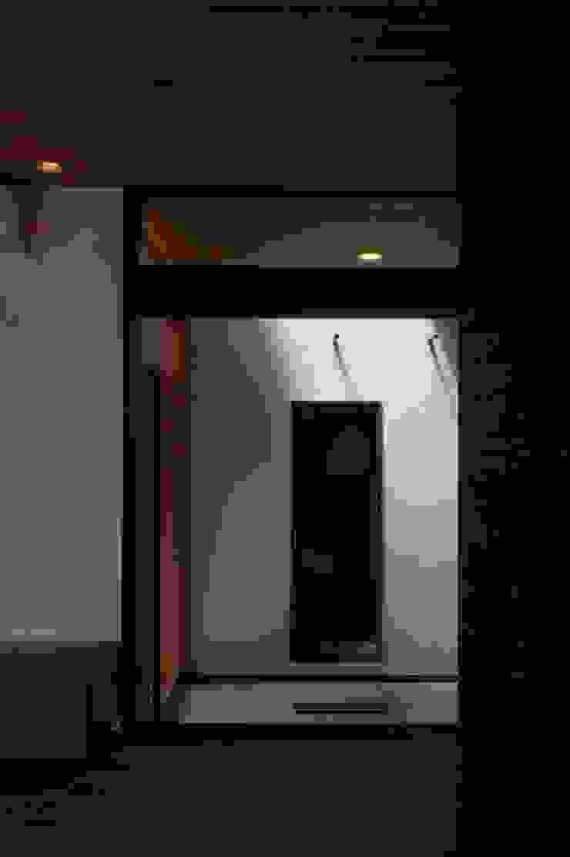 KBGN 国分ののびやかな平屋の家 モダンスタイルの 玄関&廊下&階段 の 太田則宏建築事務所 モダン