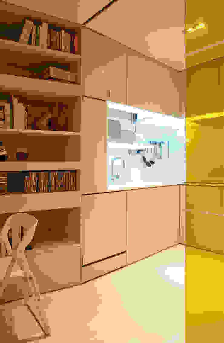 Closet House Cozinhas modernas por Consexto Moderno