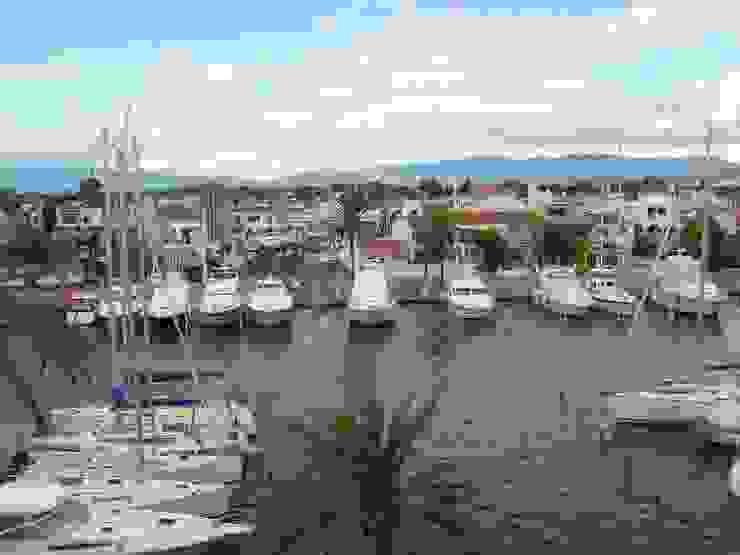 Vistas espectaculares Casas de estilo mediterráneo de 4RQ Ingeniería y Arquitectura Mediterráneo