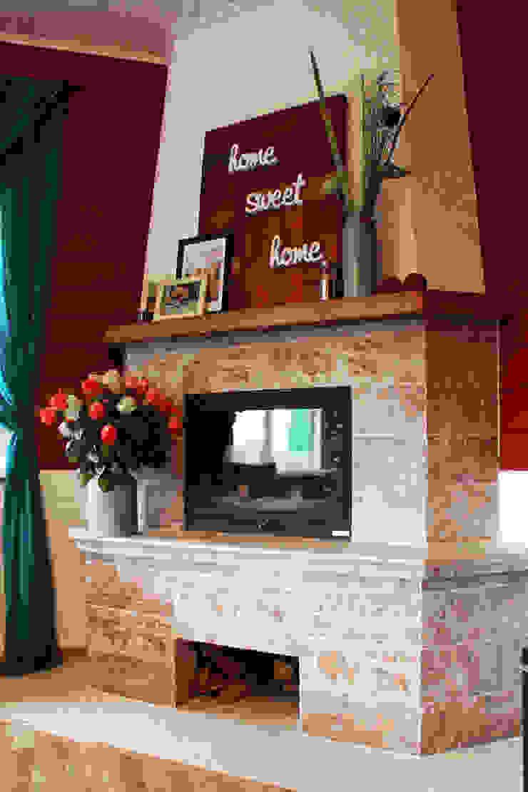 Новый дизайн гостиной от Дизайн-студия HOLZLAB Колониальный