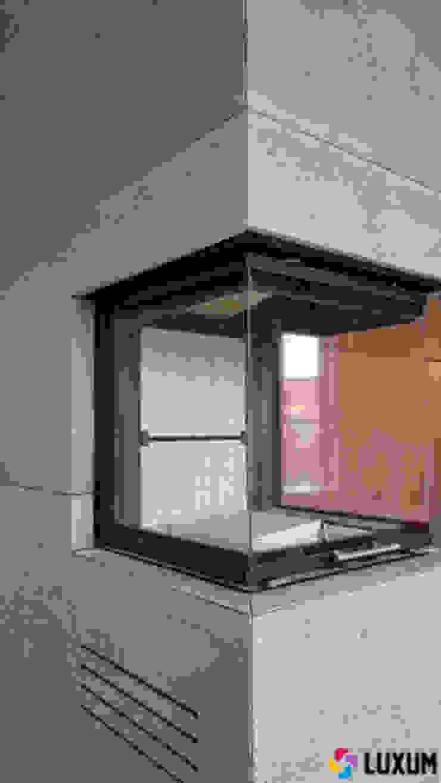 Architectural concrete fireplace Moderne Wohnzimmer von Luxum Modern