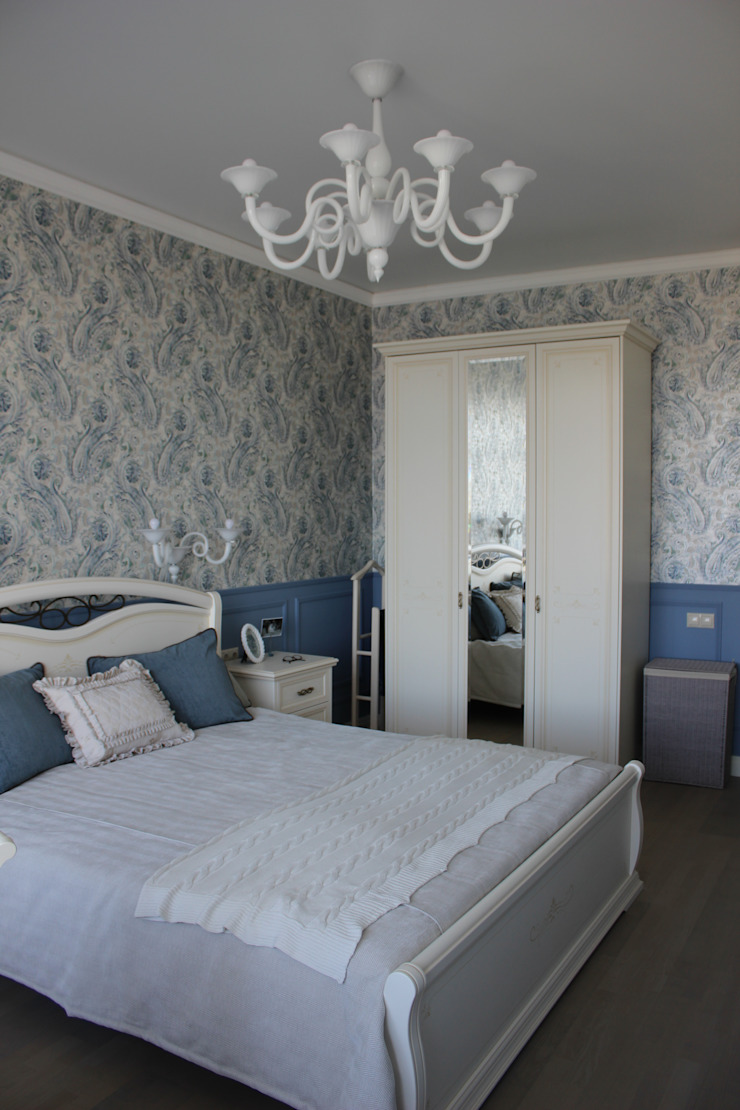TOPOS Classic style bedroom