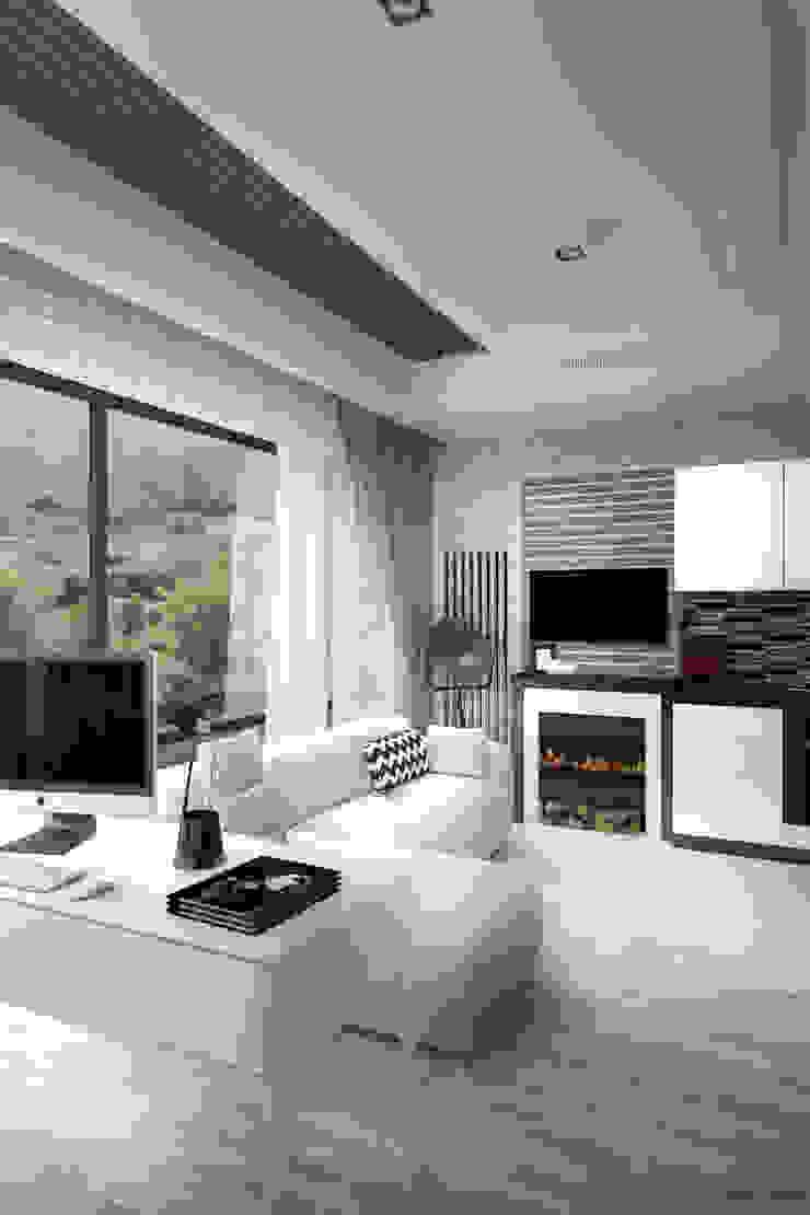 Гостиная, совмещенная с кухней Гостиная в стиле лофт от Дизайн-студия HOLZLAB Лофт