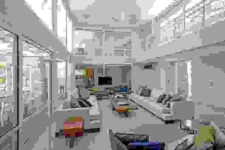 Salones modernos de Estudio Sespede Arquitectos Moderno