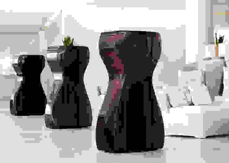 VENUS prune - chocolate - black di 21st-design Moderno