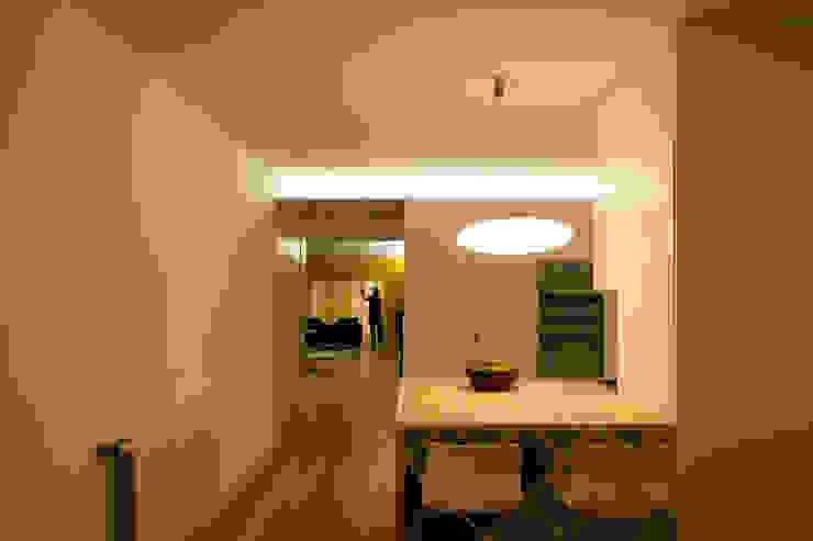 M Apartment Cozinhas modernas por TERNULLOMELO Architects Moderno
