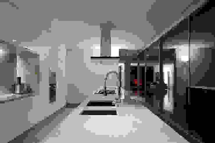 Casas de Paço de Arcos Cozinhas minimalistas por Atelier Central Arquitectos Minimalista