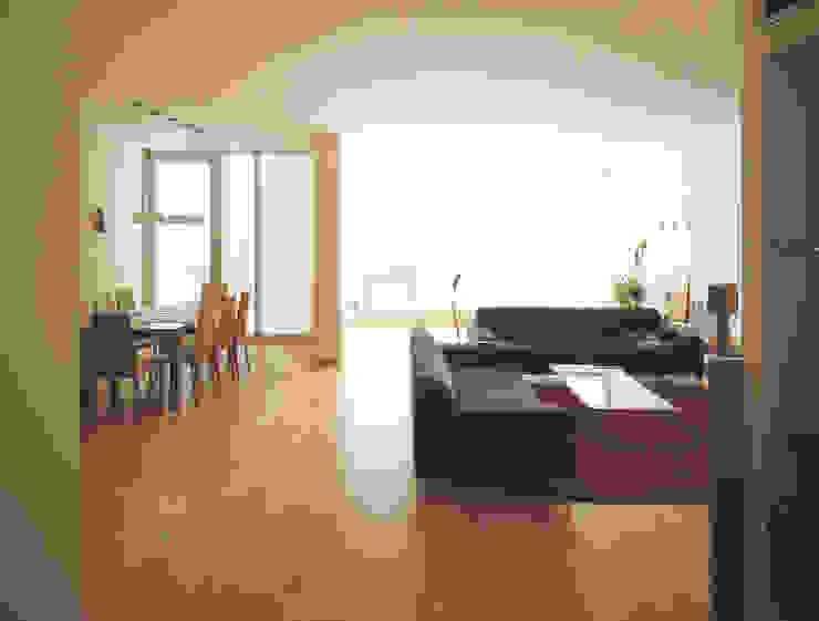 pokój dzienny: styl , w kategorii Salon zaprojektowany przez Atelier Loegler Architekci,Nowoczesny