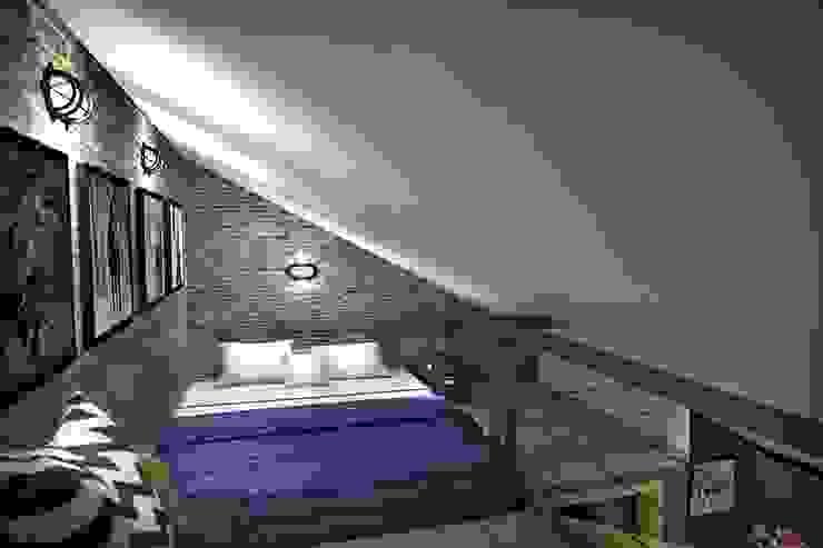 3 этаж: рабочий кабинет, мастерская, антресольный этаж с комнатой отдыха Спальня в стиле лофт от Дизайн-студия HOLZLAB Лофт