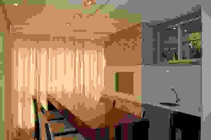 Salas de estar  por Luizana Wiggers Projetos, Rústico