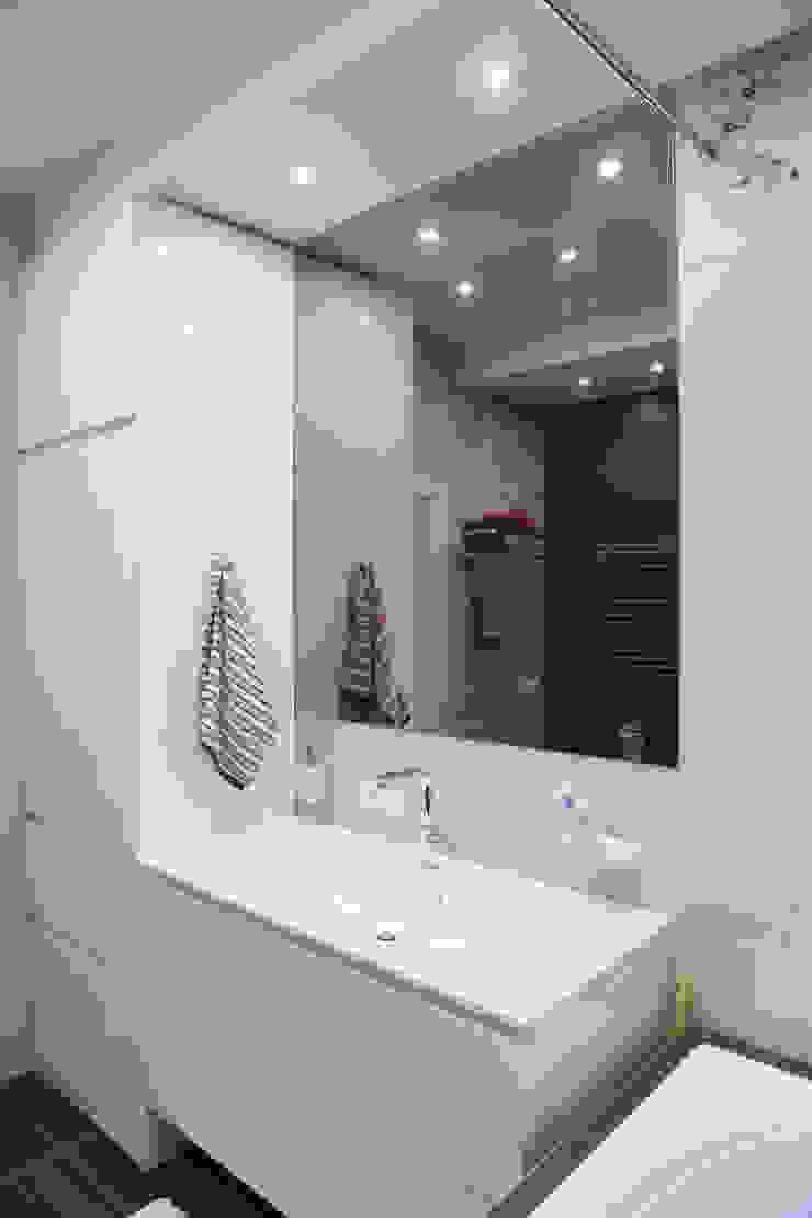 Интерьер в белом Ванная комната в эклектичном стиле от NDubchenko Эклектичный