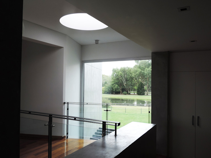 Moderner Balkon, Veranda & Terrasse von de Jauregui Salas arquitectos Modern