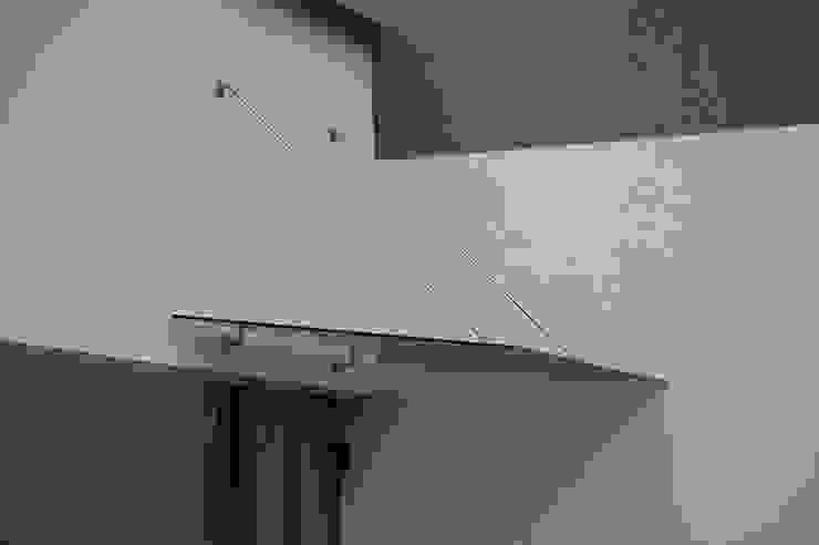 Glass Canopy with wall-suspended supports Inox City Ltd Modern balcony, veranda & terrace