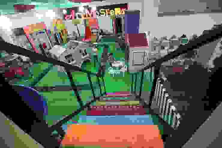 隨意取材風玄關、階梯與走廊 根據 Artmosfera Kids 隨意取材風