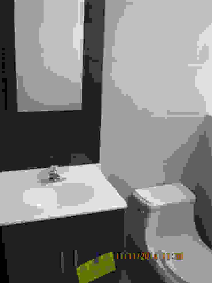 Baño Baños modernos de Fixing Moderno
