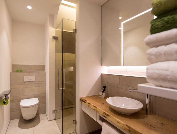 Modern style bathrooms by schulz.rooms Modern